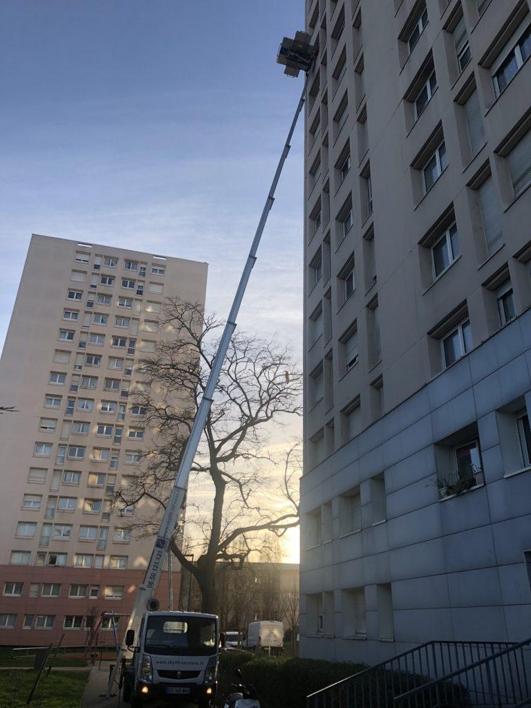 Matériel sur une maison de + 10 etages